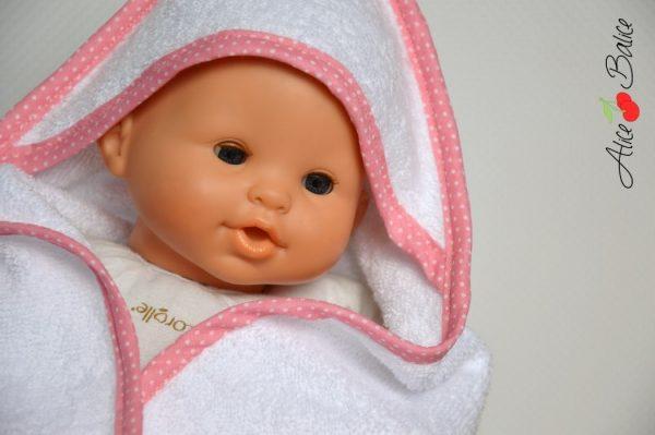 cape de bain pour poupée   patron couture gratuit   sewing   bébé   doll   poupon   trousseau de naissance pour poupée