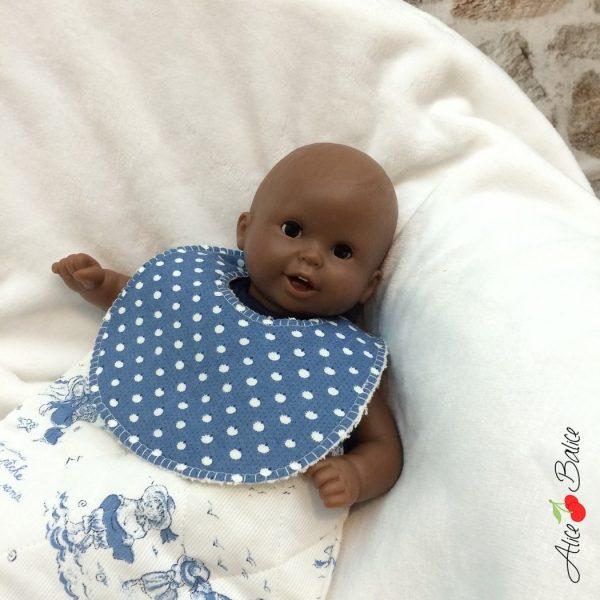 bavoir pour poupée   patron couture gratuit   sewing   bébé   doll   poupon   trousseau de naissance pour poupée